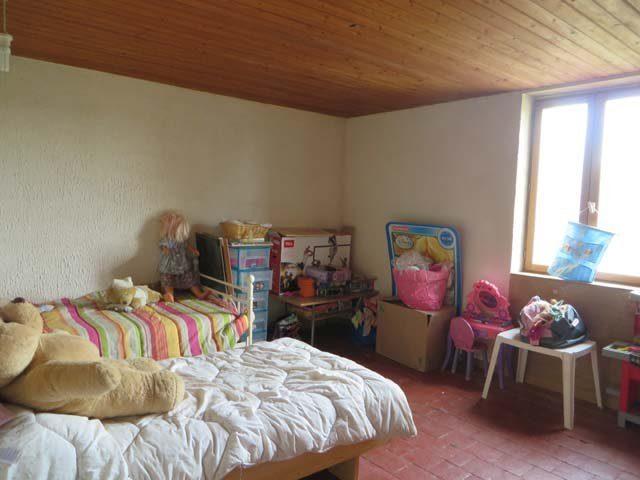 55 m² issy l'eveque  4 pièces Maison