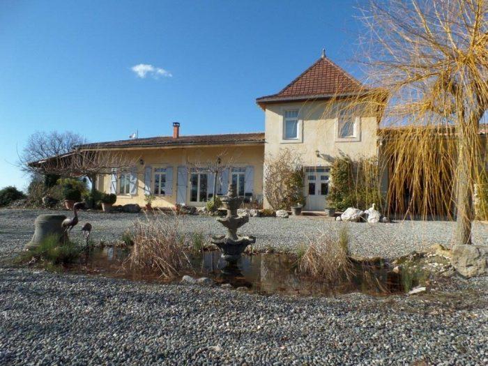 Maison 650 m²  13 pièces