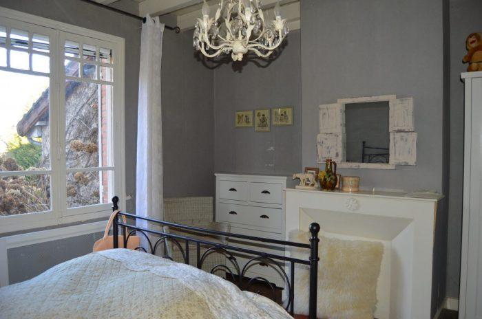 254 m² 10 pièces Charrin  Maison
