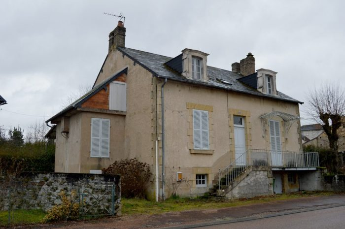 Maison 150 m² Saint-Honoré-Les-Bains  8 pièces