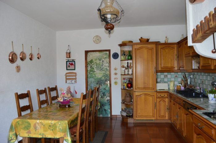 215 m² Maison Poil  7 pièces