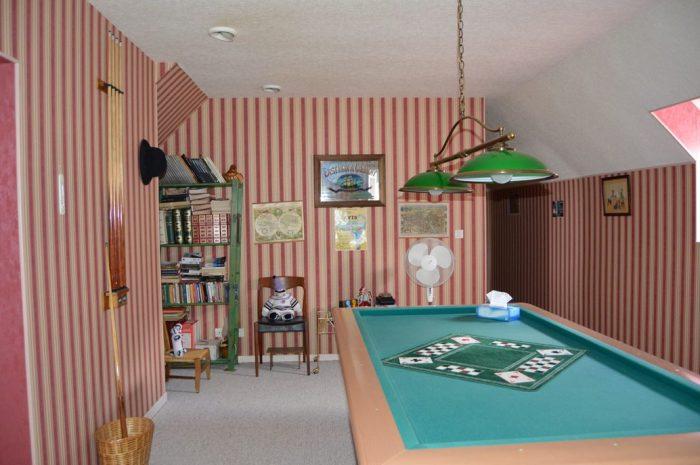 215 m²  7 pièces Poil  Maison