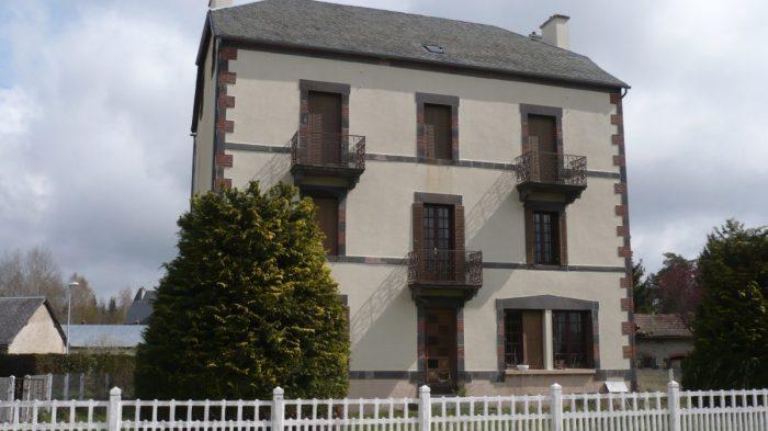 Vente Maison 12 chambres - 15 pièces -  à Ussel (19200)