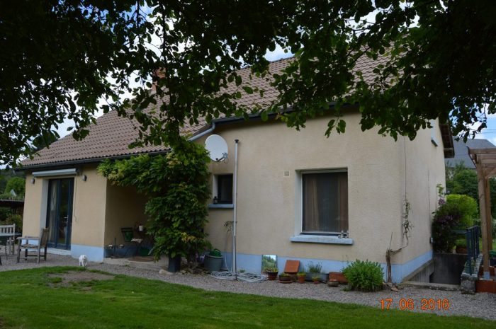 Maison 81 m² Villapourçon  4 pièces