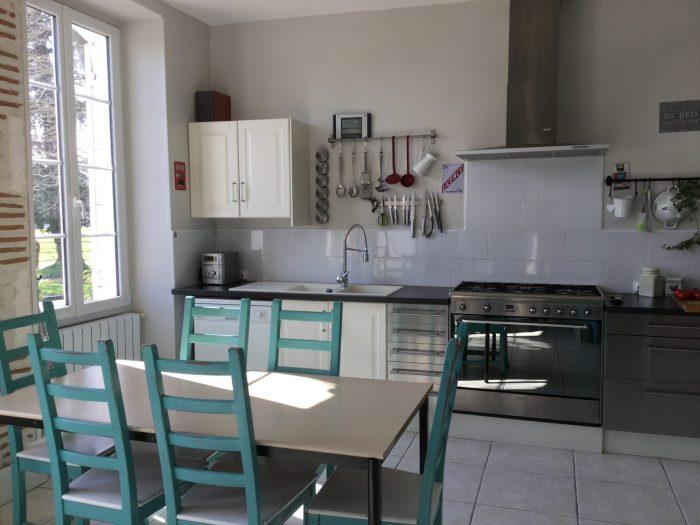 Sainte-Livrade-sur-Lot Lot-et- Garonne 8 pièces 300 m² Maison