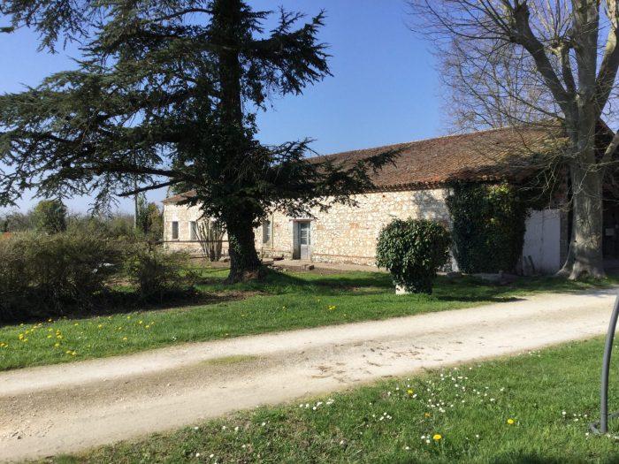 Sainte-Livrade-sur-Lot Lot-et- Garonne 300 m² 8 pièces Maison
