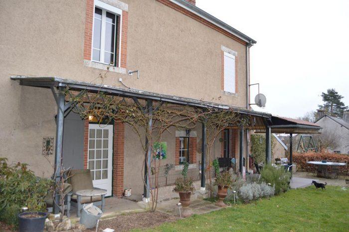 Maison  197 m² 8 pièces
