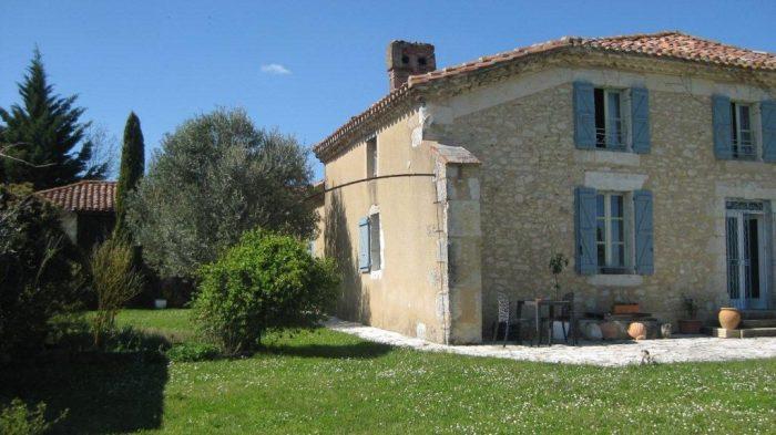 Maison  CASTELNAU-BARBARENS   280 m² 10 pièces