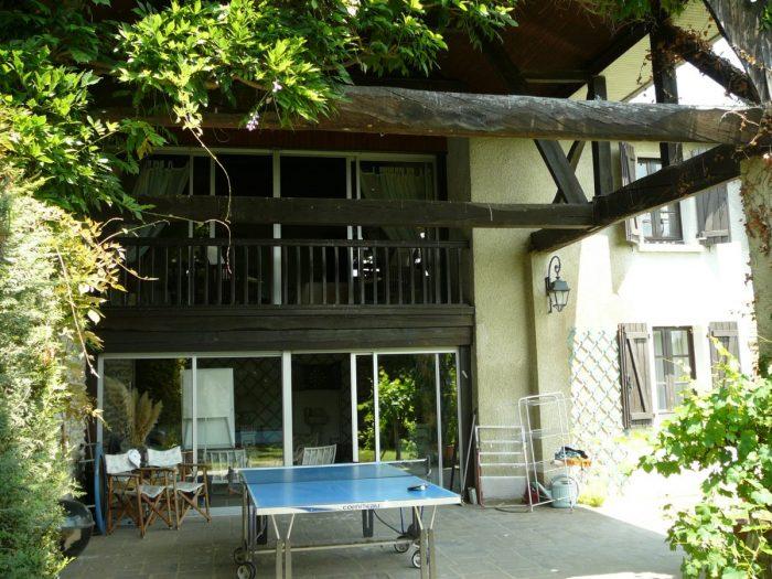 6 pièces 244 m² Maison