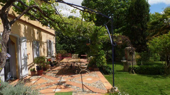 Maison   319 m² 7 pièces