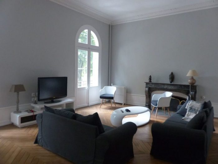 Vente Maison 7 chambres - 7 pièces - 300 m² à Angers (49100)