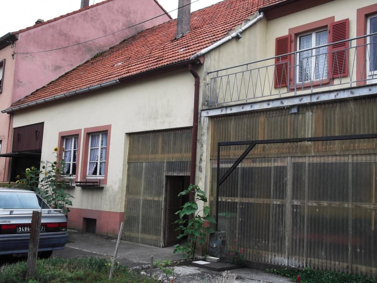 Tr s grande maison avec atelier et jardin asswiller tom for Agence jardin immobilier