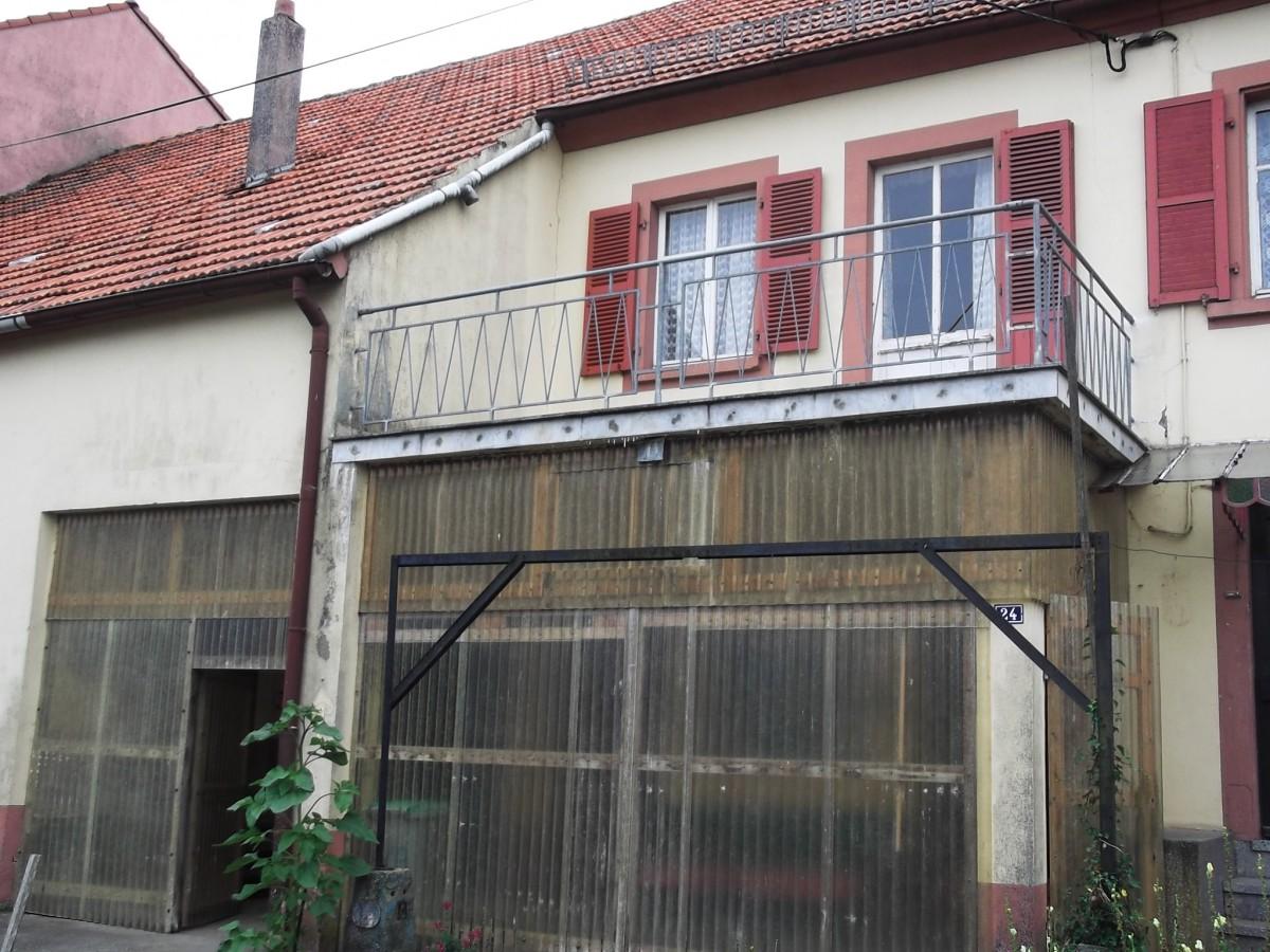 Tr s grande maison avec atelier et jardin asswiller tom for Vente maison avec atelier
