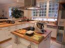 Maison   9 pièces 255 m²