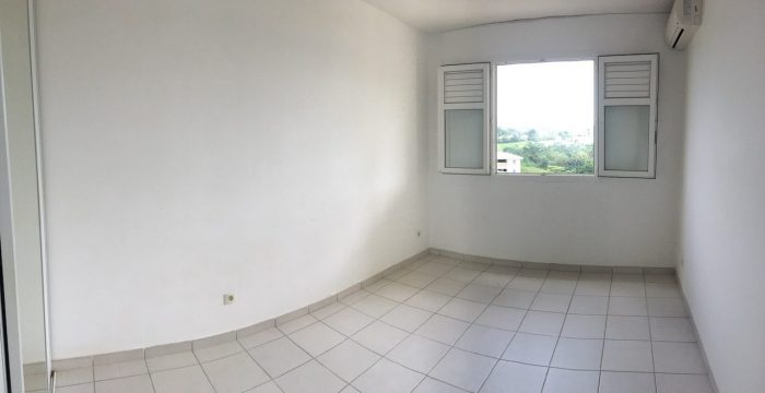 Photo APPARTEMENT F3 DANS RESIDENCE SECURISEE - LE LAMENTIN image 3/5