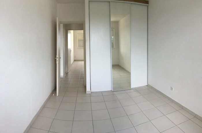 Photo APPARTEMENT F3 DANS RESIDENCE SECURISEE - LE LAMENTIN image 2/5