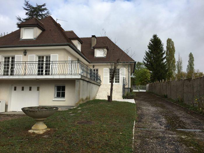 Saint doulchard belle maison avec jardin clos saint for Piscine st doulchard