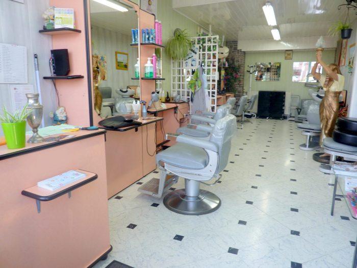 Salon de coiffure depuis 1968 aniche jds immobilier abscon for Miroir salon de coiffure
