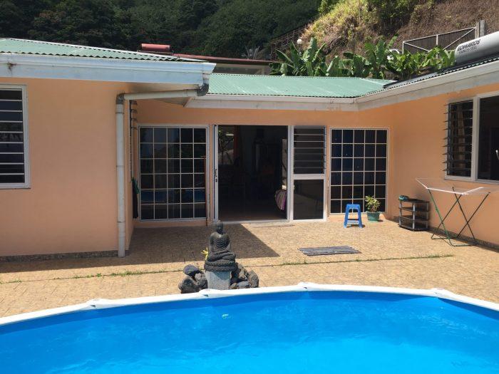 Grande maison 4 chambres avec piscine for Prix grande piscine