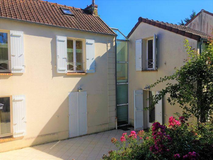Maison  170 m² Plaisir  8 pièces