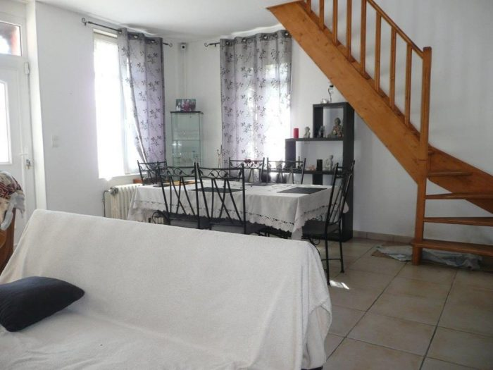 boves maison de 130m habitable boves 80440. Black Bedroom Furniture Sets. Home Design Ideas