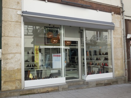 ANGERS rue st Laud CHAUSSEUR vVICTORIA