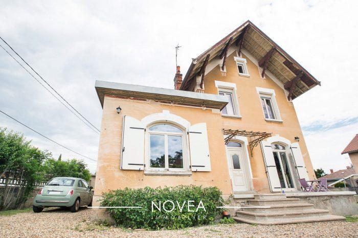 Belle maison bourgeoise r nov 122m2 villefranche for Linge de maison villefranche sur saone