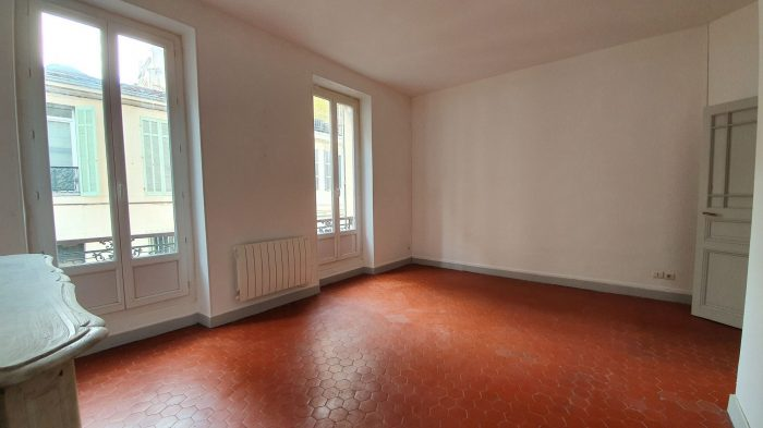 T2 saint s bastien marseille 13174 for Location appartement bordeaux pellegrin t2