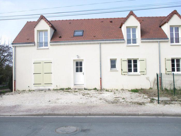 Maison de ville 3 chambres sully sur loire 45600 for Sully sur loire code postal