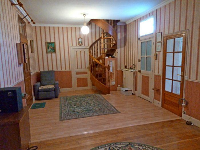 Maison de bourg avec jardin et garage ch lette sur loing 45120 for Piscine chalette sur loing