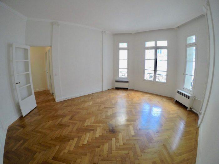 photo de 75016  Pompe 2  pièces 64 m²